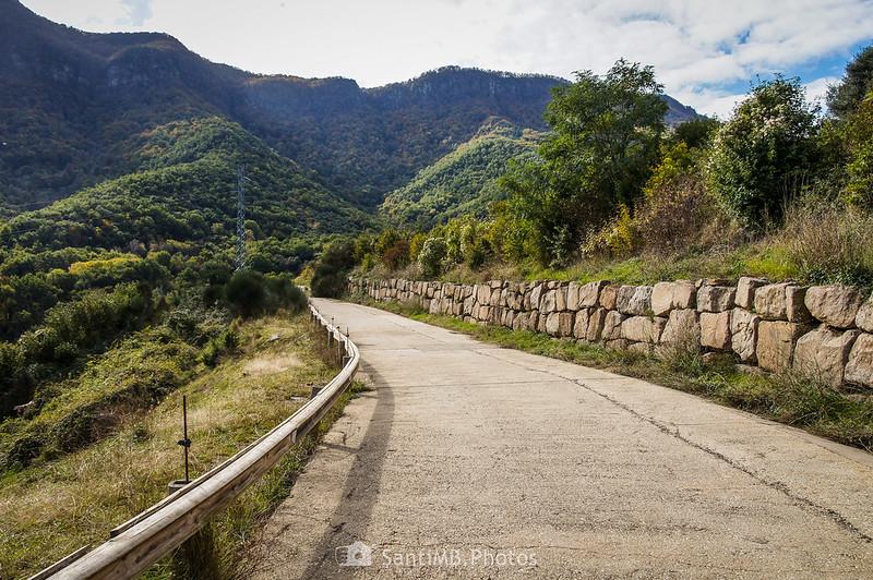 Camino de servicio de los túneles de Bracons en Joanetes