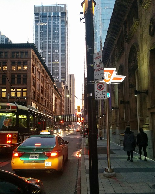 Looking west yesterday evening, Queen at Victoria #toronto #queenstreet #yongeandqueen #evening #latergram