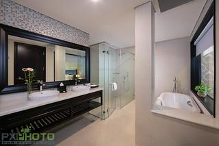 Presidential-bathroom