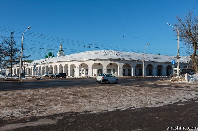 Гостиный двор (Красные ряды) и храм Спаса Нерукотворного образа в Рядах, Кострома
