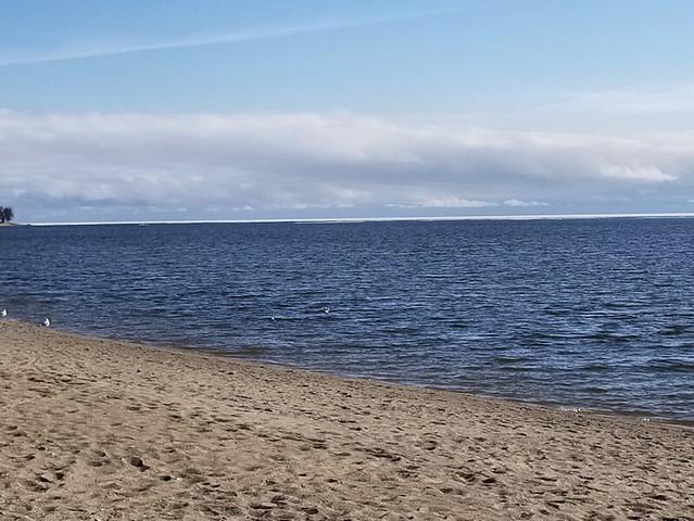 20190506.lake.ice.2