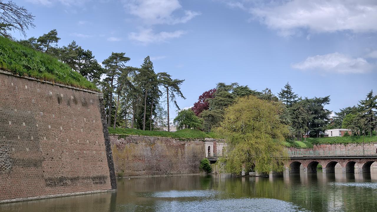 Le Quesnoy ville fortifiée 33919980628_5329ff49f3_o
