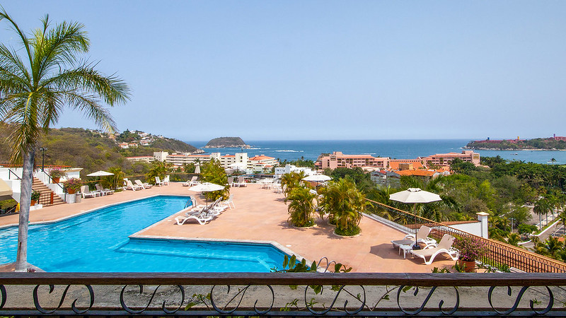 royal-holiday-hotel-resort-vista-mar-park-royal-huatulco-mexico-huatulco