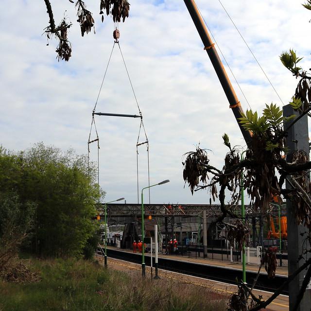 Fast Line Span Held By Crane