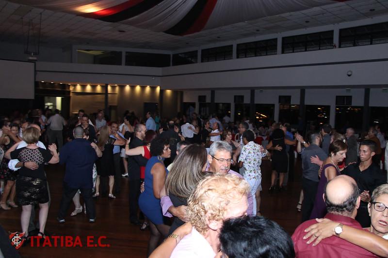 Noite Dançante - Banda Definisom