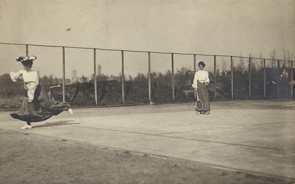 Tennis match anno 1900