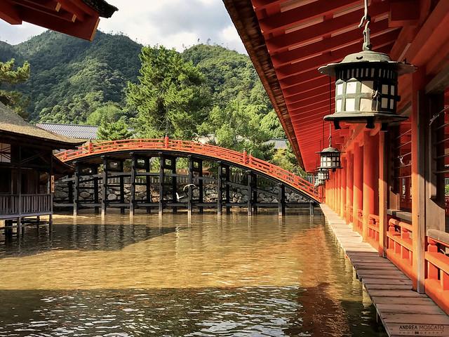 Itsukushima Shrine Bridge - Miyajima Island (Japan)