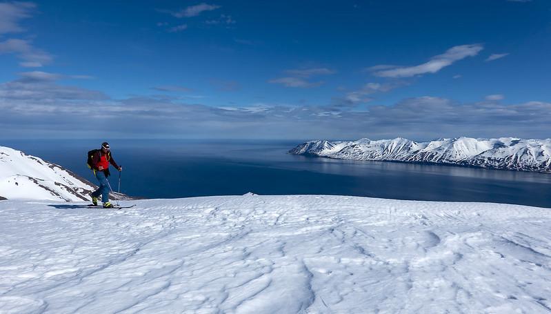 Scialpinismo in Islanda: Arrivo sulla vetta sopra Dalvik