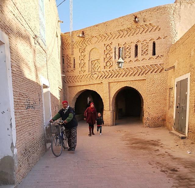 familia bereber su gente Tozeur Tunez 01