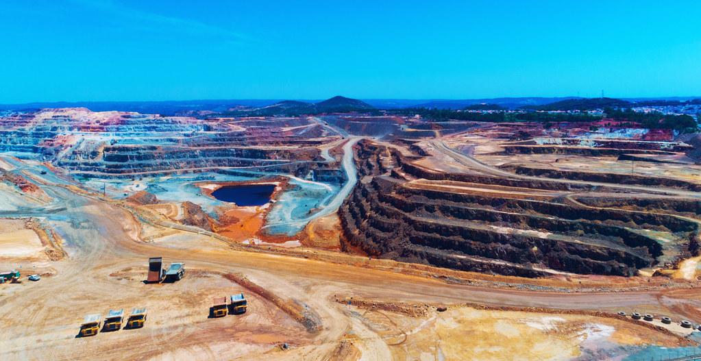 西班牙一處露天銅礦場。 來源:Denis Zhitnik/Shutterstock.com 圖片由IPBES提供。