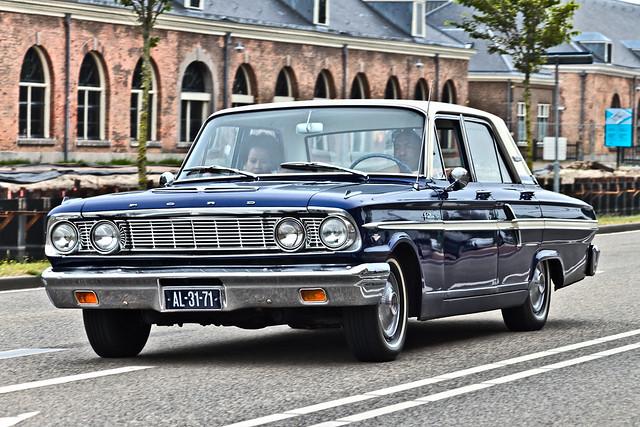 Ford Fairlane 500 Sedan 1964 (6788)