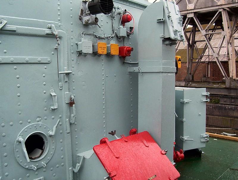 HMS Cavalier 00009