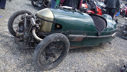Quatre Morgan Three Wheelers parmi bien d'autres VRM 2019 33952934048_d6d3e8f64c