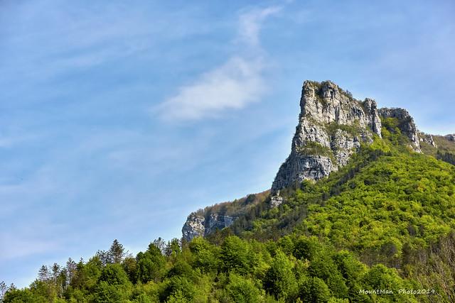 Loška stijena iznad doline rijeke Kupe