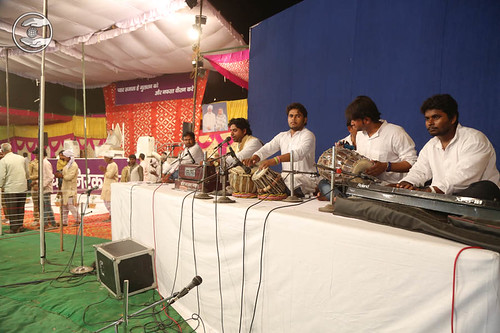 Devotional song by Hari Bhajan and Saathi from Balia UP