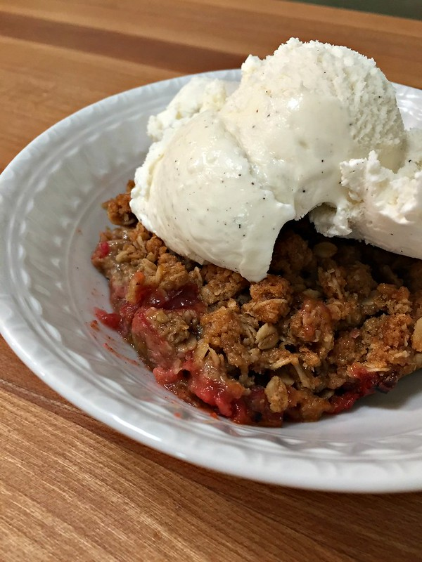 easy rhubarb crisp with vanilla ice cream