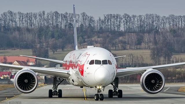 LOT BOEING 787-9 Dreamliner (SP-LSC)
