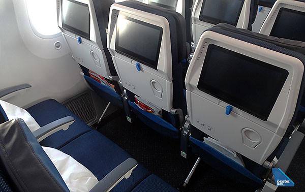 KLM B787-9 Economy Class (RD)