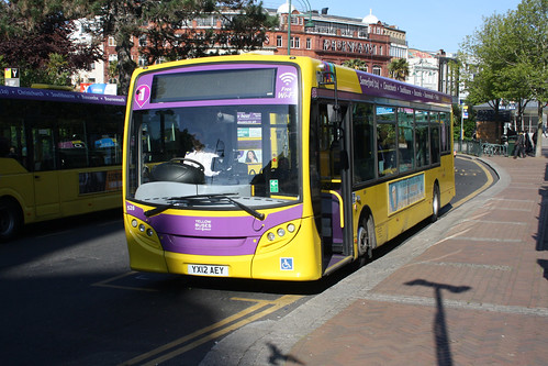 Yellow Buses 526 YX12AEY