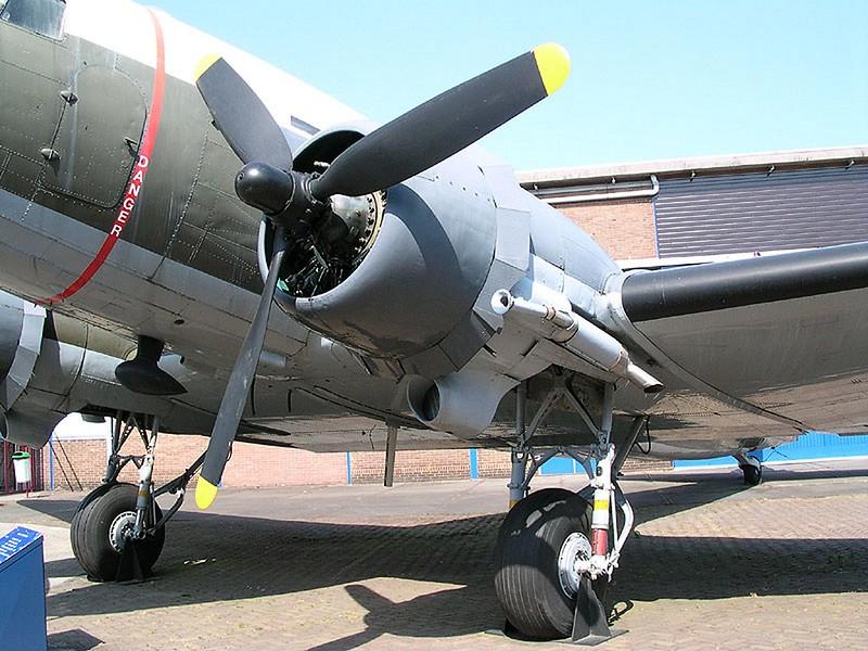 道格拉斯的C-47轨-达科他州00005