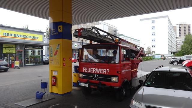 1957 mechanische Drehleiter DL18 von Magirus auf Mercedes-Benz LP608D von 1970 der Feuerwehr Donauwörth Storkower Straße in 10405 Berlin