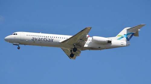 Avantiair Fokker 100 @ HAM | by timur.tatlici