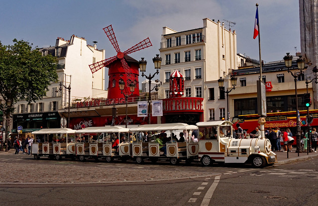 Paris / Montmartre / Moulin Rouge / Little train
