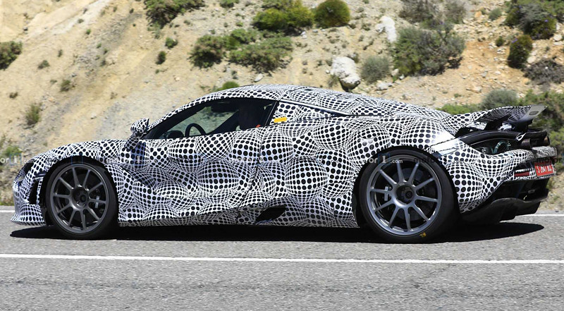 mclaren-720s-hybrid-test-mule-spy-photo (3)