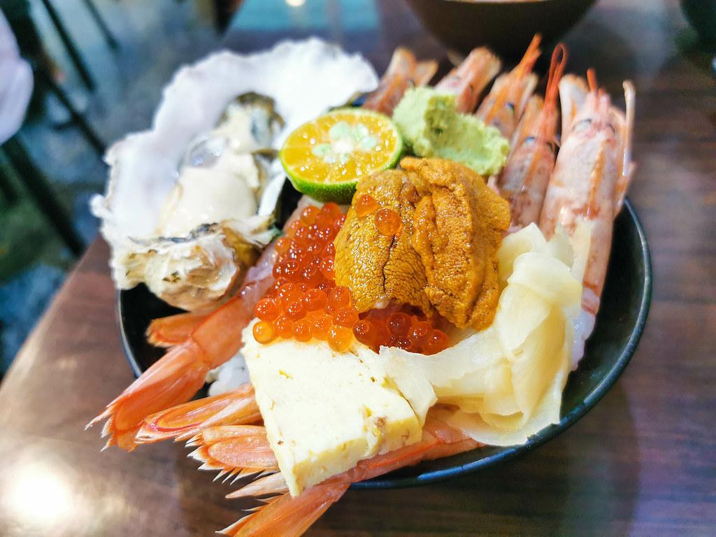 揚日式料理(生魚片蓋飯) (22)