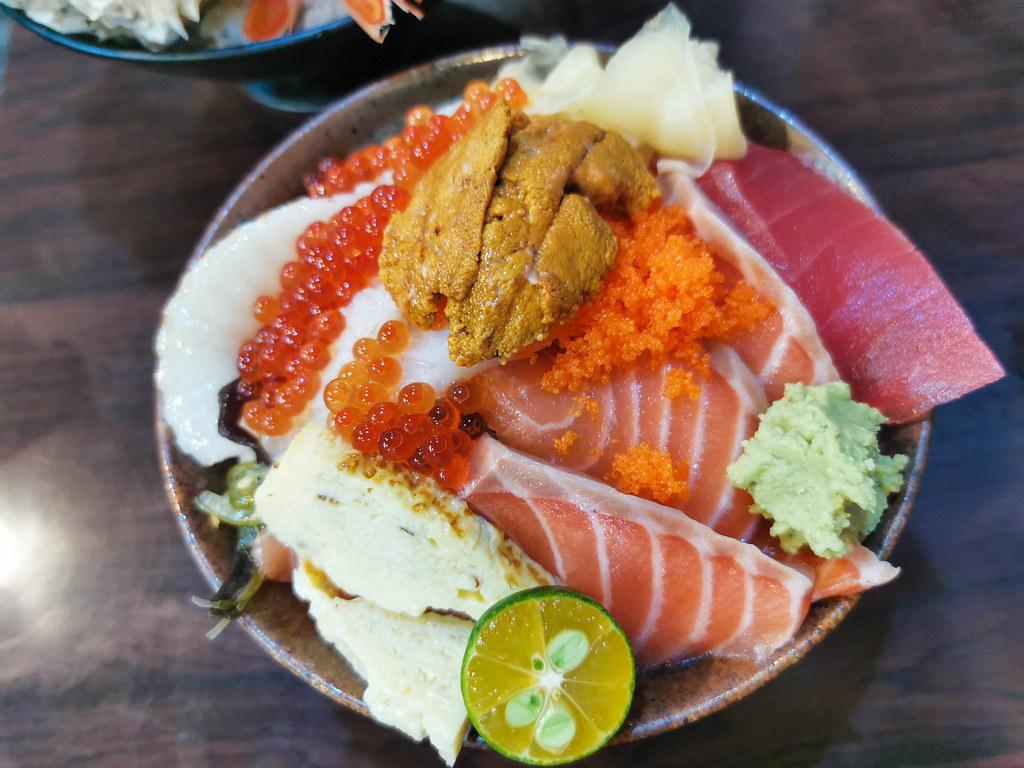 揚日式料理(生魚片蓋飯) (16)