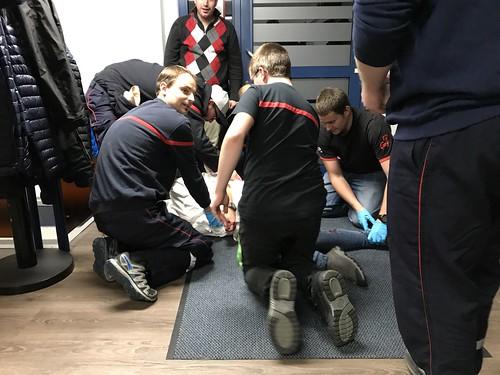 Feuerwehr im BLS-AED Repe