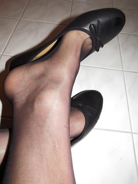soft black leather sabrinas, nylons