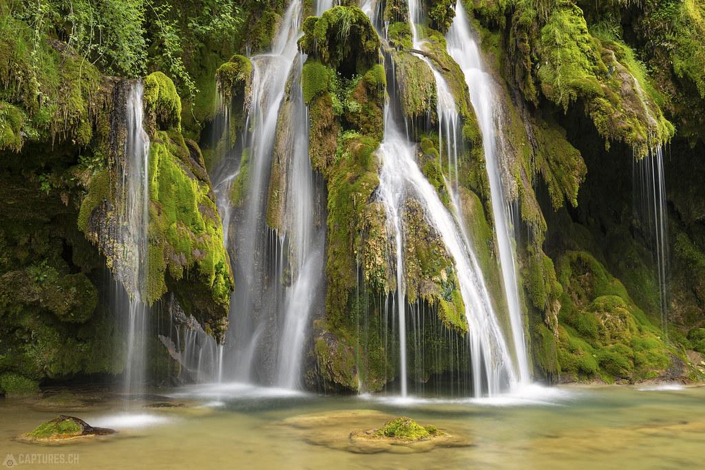 Fairytaile waterfall detail 1 - Cascade des Tufs