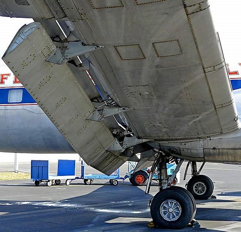 Martin 404 Airliner Silver Falcon 00012