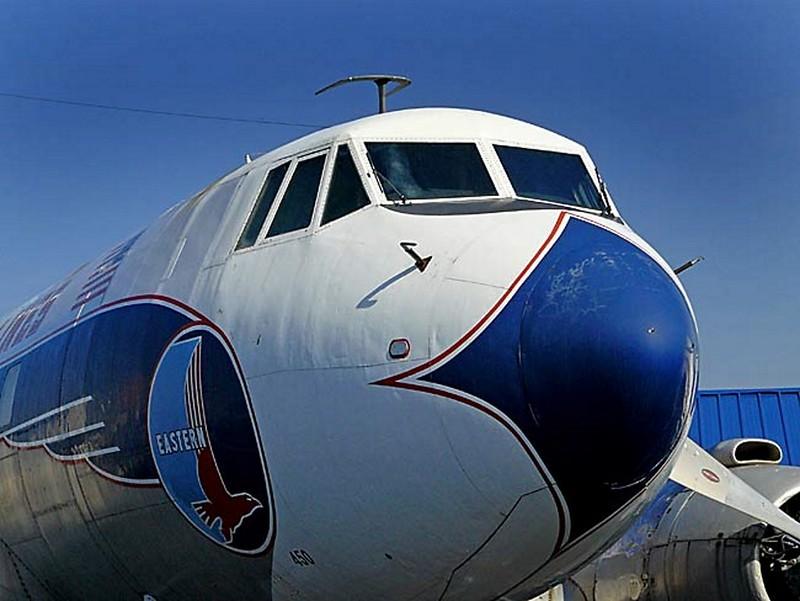 Martin 404 Airliner Silver Falcon 00009
