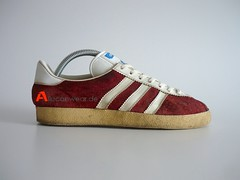 VINTAGE ADIDAS GAZELLE SPORT SHOES