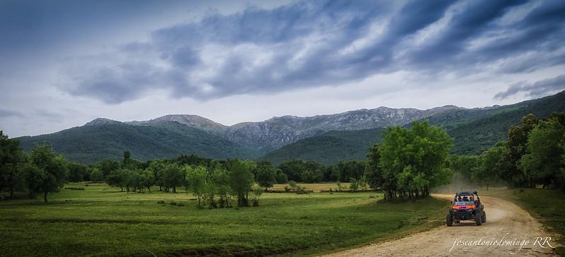 Valle y montaña en Piedralaves