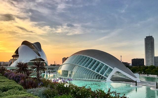 Valencia and its spatialships