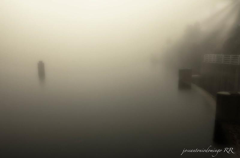 Niebla sobre la presa del Horcajo (Piedralaves)
