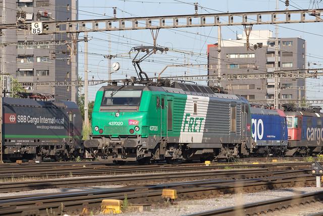SNCF BB 437 020