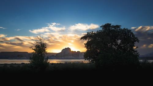 america arizona lakepowell shawnharquail silhouette southwesternus southwesternunitedstates travel us usa unitedstates wahweapbay cloud clouds nature outdoor shawnharquailcom sunrise trees