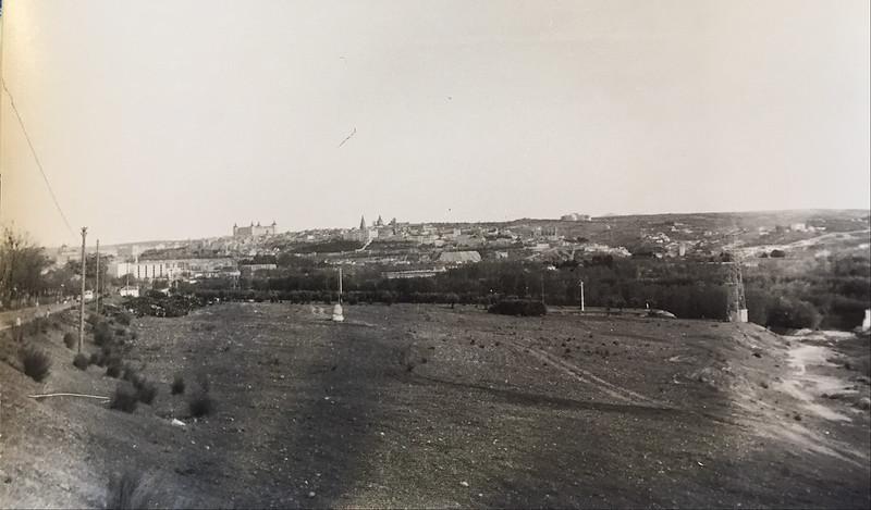 Fotografía de Eduardo Butragueño Bueno, vista desde Carretera de Ávila avenida adolfo Suárez actual, río chico. Años 60.
