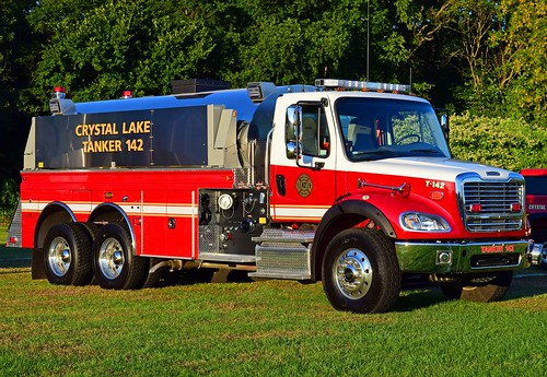 4guys tanker freightliner ellington ct crystal lake connecticut apparatus fire truck