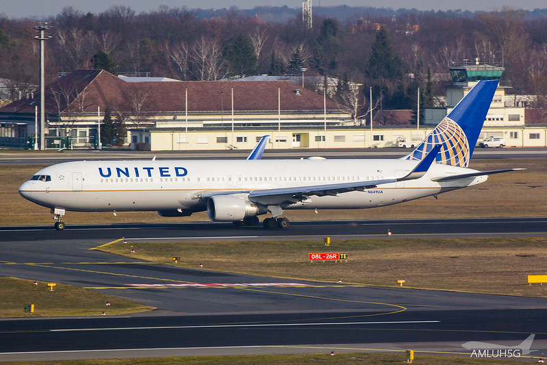 United Airlines - B763 - N649UA (1)