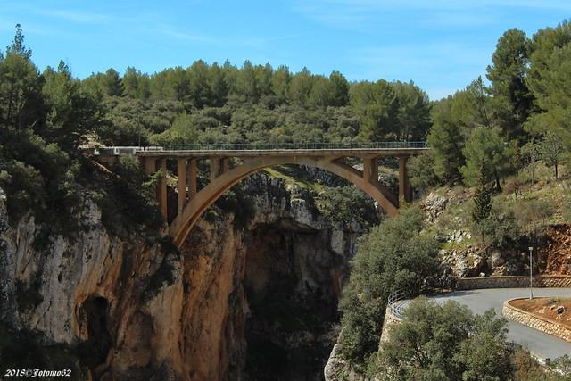 Puente en la A-326