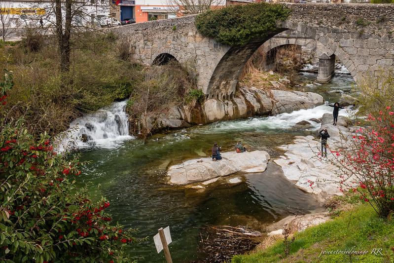 Río Arenal y puente de Aquelcabo