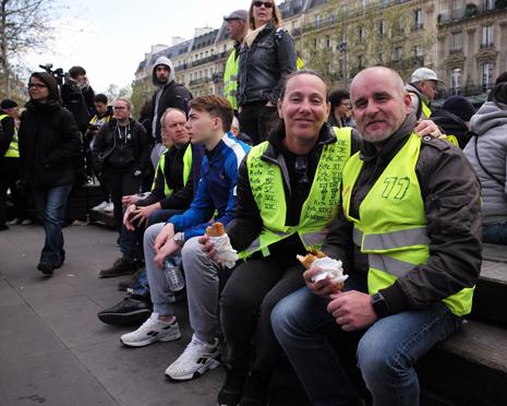 19d13 République Chalecos amarillos Acte XXII_0016 variante Uti 465