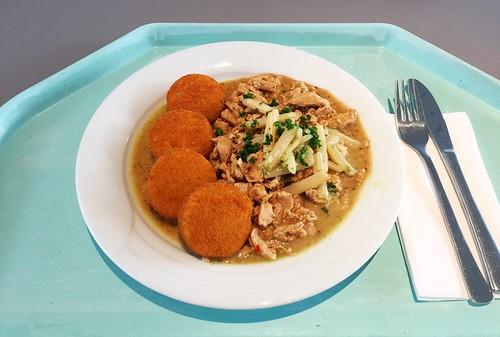 Turkey chop with asparagus & ramson pesto / Putengeschnetzeltes mit Spargel & Bärlauchpesto