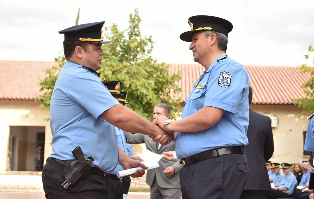 2019-04-15 GOBIERNO: certificado ascensos policía