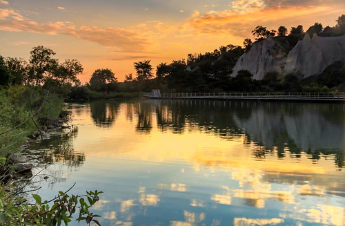Bluff Reflections   by LarryJH